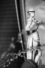 _MG_3901 PS 2 s bn (Claudiober) Tags: milano citylife lostorto torrehadid fontanaquattrostagioni lestate