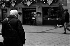 un matin d'hiver (hugobny) Tags: ilford 400 pan argentique analogue analog caffenol cl strasbourg street smc f18 55mm iso p30 pentax pentaxlens