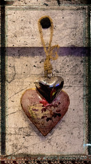 Day 45. (lizzieisdizzy) Tags: canon valentie heart hearts hang hanging valentineheart golden gold pair wallhanging love token amour amourous lover