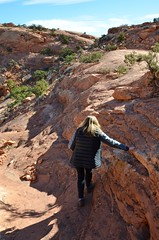 Sue On The Upheaval Dome Trail (Joe Shlabotnik) Tags: canyonlandsnationalpark nationalpark utah sue hiking 2017 canyonlands november2017 justsue afsdxvrzoomnikkor18105mmf3556ged