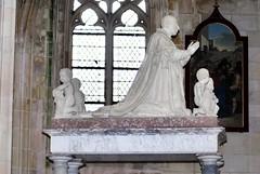 Cénotaphe de Louis XI à Notre-Dame de Cléry (45) (odile.cognard.guinot) Tags: louisxi clérysaintandré basiliquenotredame cénotaphe loiret 45