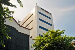 Bank DKI Matraman (Everyone Sinks Starco (using album)) Tags: jakarta building gedung architecture arsitektur office kantor bank