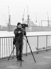 Analoge Fotografie (SebastianVonZanderich) Tags: hafen hamburg landungsbrücken hh analog