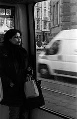 18h30, le tram encore (hugobny) Tags: ilford pentax p30 pan 400 caffenol cl tram smc strasbourg street semistand argentique analogue analogique analog 55mm f18 pentaxp30 pentaxlens