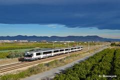 470-005 (ɢ. ʙᴇʀᴇɴɢᴜᴇʀ [ ō-]) Tags: 470 train railway railroad nubes sky renfe ffcc
