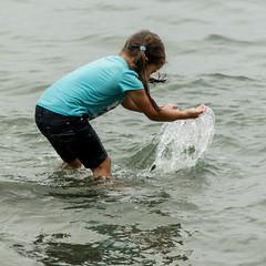 20180126_2688_7D2-180 Kaylee splashing Ethan (johnstewartnz) Tags: kaylee grandchild granddaughter grandchildren scarborough sumner canon canonapsc apsc eos 7d2 7dmarkii 7d canon7dmarkii canoneos7dmkii canoneos7dmarkii 70200mm 70200 70200f28 water beach splash splashing