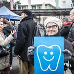 Flashmob pour le remboursement des soins dentaires thumbnail