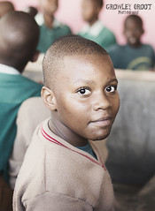 Tanzania (Crowley Groot) Tags: canon 7d markii tanzania africa chico kid portrait retrato gente people portraiture mojado miradas mark2 ojos eyes primer plano niño