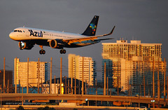 Azul Brazilian Airlines A320neo Sunset (Infinity & Beyond Photography) Tags: azul brasil brazilian airlines airbus a320 aircraft airliner airplane goldenhour sunset ft fort lauderdale airport florida tower block buildings evening sunlight condominiums fll kfll a320neo