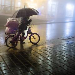 Sapa (monsieur ours) Tags: vietnam sapa ville city street rue fog brouillard pluie rain night nuit