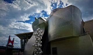 El museo y las nubes