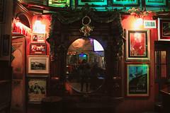 IMG_2925 (noemislee) Tags: noemi slee noemislee cusco peru 2017 december travel irish pub irlandés paddys decoration bar mirrorselfie mirror tatiana sánchez mendoza vanessa ximena