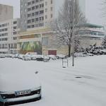 Grand Rue Jean Moulin sous la neige, centre ville d'Alès thumbnail
