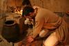 """Presionado para imprimir la estampilla (Francisco J. Ardanuy """"Ardius"""") Tags: alfar cerámica alfarería sediles medieval pottery aragón recreación reenacment arcilla barro maestro aprendiz oficio taller"""