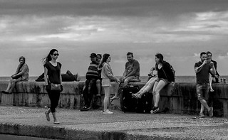 El malecón de la Habana. People 1/1000