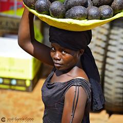 16-09-21 Uganda-Rwanda (68) Kampala R01 (Nikobo3) Tags: áfrica uganda kampala people gentes portraits retratos social travel viajes nikon nikond800 d800 nikobo joségarcíacobo color nikon7020028vrii