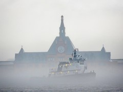 Fog on the harbor (Goggla) Tags: nyc new york harbor weather fog cloud jersey city boat