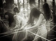 Blood knots (Saurí) Tags: blood knots tragic dramatic bestportraitsaoi imaginatio experiemental experiment teenager ballarina sauri