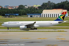 ZS-SXK (renanfrancisco) Tags: southafricanairways sa saa zssxk airbus a330 a330300 a333 airbusa330300 airbusa330 taxi staralliance gru sbgr gruairport guarulhosairport airport aeroporto aeropuerto airlines spotting