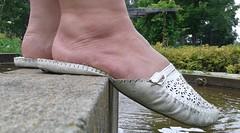 Gigi (4881) (Duke of Slippers) Tags: slippers sandals slides mules soft soles shoes souliers pantofole pantoufles flats pumps