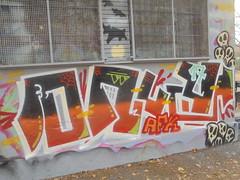 1270 (en-ri) Tags: ony afk crew teschietti skulls bianco nero rosso arancione arrow torino wall muro graffiti writing ragnatela