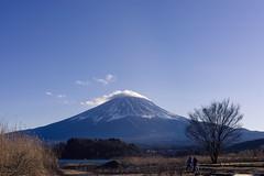 Kawaguchiko (bdrc) Tags: 35mm alpha alphauniverse asdgraphy asia f18 fuji fujisan holiday japan kawaguchiko mountain prime sel35f18 sony sonyalpha sonyimages sonyphotography travel trip wideangle winter lake