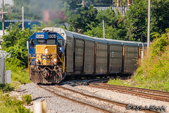CSX 8064 | EMD SD40-2 | CN Fulton Subdivision (M.J. Scanlon) Tags: csx8064 csxt8064 emd sd402 scl8064 sbd8064 sbd scl seaboard seaboardsystem seaboardcoastline q532 csxq532 csx csxt cn cnfultonsub canadiannational automobile auto autorack tree sky digital merchandise commerce business wow haul outdoor outdoors move mover moving scanlon mojo canon eos engine locomotive rail railroad railway train track horsepower logistics railfanning steel wheels photo photography photographer photograph capture picture trains railfan