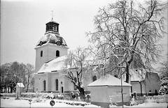 Gammalt vykort No2 (cotnari73) Tags: smena symbol lomo d76 ilfordhp5 sweden t43 sandviken kungsgården kyrka