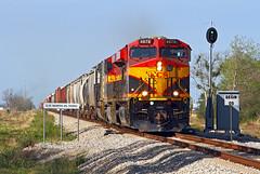 Charging through El Toro (Moffat Road) Tags: kansascitysouthern kcs kcsm kansascitysoutherndemexico ge es44ac 4678 eltoro texas retrobelle freighttrain railroad train locomotive signal cpnortheltoro tx