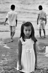 Norah (merchelas) Tags: bwn blancoynegro white portrait retrato bn black blackwhite summer beach childrens