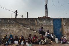 (pratyay) Tags: sakibpratyay eyeopener eyeopenerphotography bangladesh candid documentary bangladeshdocumentary brickfactory aminbazar chimney stairs people travelphotography lunch