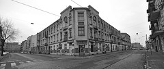 old corner house (rafasmm) Tags: old corner house łódź lodz poland polska bw blackwhite monochrome outdoor city building nikon d90 sigma ex 1020