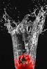 Splash 3 (Bike-surfer) Tags: splash spritzer wasser gemüse blitz flashlight wasserglas