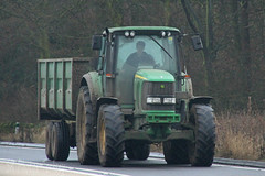John Deere Tractor & Trailer (SR Photos Torksey) Tags: transport tractor farm farming agriculture agricultural road traffic john deere