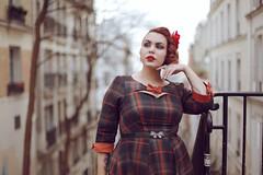 (Deerily) Tags: shooting paris parisian parisianblogger portrait lifestyle blogger shoot france bokeh canon française