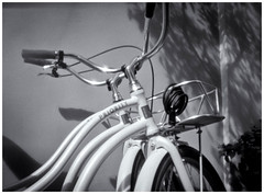 Fotografía Estenopeica (Pinhole Photography) (Black and White Fine Art) Tags: fotografiaestenopeica pinholephotography pinhole estenopo estenopeica agujeropequeño bicicleta bicycle sanjuan oldsanjuan viejosanjuan puertorico fotografiacallejera streetphotography bn bw
