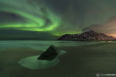 Aurora over Skagsanden (Paul Forgham) Tags: skagsanden flakstad lofoten norway aurora auroraborealis northernlights beach sand mountain sea rock ice pool frozen nightphotography stars nightsky paulforgham