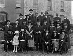Top Hats, Trilbys and Bowlers (National Library of Ireland on The Commons) Tags: ahpoole arthurhenripoole poolecollection glassnegative nationallibraryofireland weddinggroup tophats trilbys bowlerhats ladieshats furstoles necklaces hatoriffic tramore countywaterford grandhotel turretplace thesquare rings bride groom