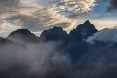 Tam, kde spí drak (zcesty) Tags: vietnam25 mraky krajina hory vietnam hdr dosvěta sơnbình làocai vn