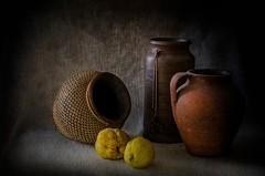 Bodegon con membrillos (JACRIS08) Tags: amarillo bodegon stilllife pucheros