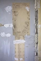 Lots perdus (Gerard Hermand) Tags: 1701296446 gerardhermand france paris canon eos5dmarkii formatportrait lesgrandsvoisins hôpitalsaintvincentdepaul mur wall peinture paint abstrait abstract abstraction