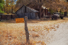 quandary (Maureen Bond) Tags: maureenbond ca highsierra truck decisions notrespassing quandary sign post barn fence fencefriday fall autumn