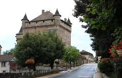 Le château de Lacapelle-Marival (fa5962) Tags: occitanie châteaux lacapelle lot marival lacapellemarival château france frédéricadant adant eos760d