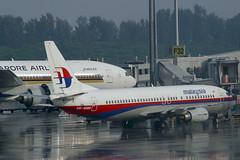 9M-MMB Boeing 737-4H6 Malaysia Airlines (pslg05896) Tags: 9mmmb boeing737 malaysiaairlines sin wsss singapore changi