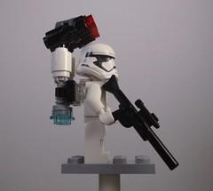 Air control (Adraryel1) Tags: starwars guerrestellari lego toy toys stormtrooper stormtroopers firstorder