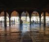 Venezia (Bruno Tardioli) Tags: venice venezia laguna veneto chiaroscuro archi mercato street luce effetto sonyrx100 canalgrande