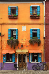 Colours of Burano (fesign) Tags: architecture basket bicycle bicyclebasket brightcolour building buildingexterior builtstructure burano city colourimage contrasts day door europe facade feature house italianculture italy multicoloured nopeople orange outdoors photography residentialbuilding sideview street transportation travel traveldestinations unescoworldheritagesite veneto veniceitaly wall washingline