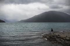 Lago Puelo, Chubut, Argentina 2017 (Leo Crovetto) Tags: seleccionar landscape paisaje patagonia sur argentina lake puelo water mountains people color