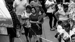 Mèrida Ciudad Blanca No.8 (Isaac Palacio) Tags: new bnw street photography blancoynegro noiretblanc pretoebranco zwartwit biancoenero blackandwhite streetphoto miligramo yucatan outside market merida white city mgartemg fractal mg second