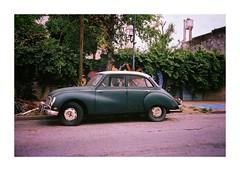 De Otra Epoca (Miguel E. Plaza) Tags: mju2 mjuii mju olympusmjuii stylusepic streetphotography street analogphotography analog filmphotography film filmcamera 35mm fujisuperia400